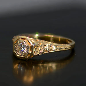 Vintage Estate Ring, 14 carat yellow gold and diamond, size 6.5