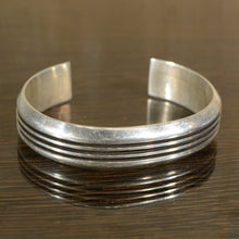 Load image into Gallery viewer, Cuff.  Heavy Vintage Silver