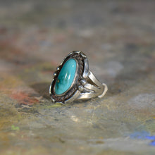 Load image into Gallery viewer, Vintage silver and turquoise ring. Size 6.25