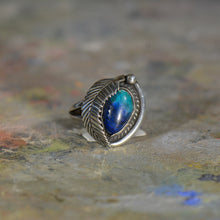 Load image into Gallery viewer, Vintage silver and turquoise ring. Size 6.5