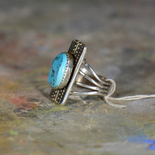 Load image into Gallery viewer, Vintage silver and turquoise ring. Size 7.5