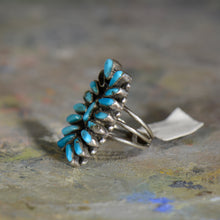 Load image into Gallery viewer, Vintage silver and turquoise ring. Size 6