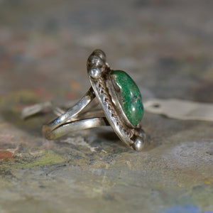 Vintage silver and malachite ring. Size 7