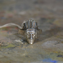 Load image into Gallery viewer, Vintage silver ring. Size 10
