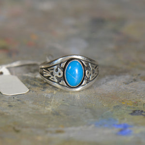 Vintage silver and turquoise ring. Size 9