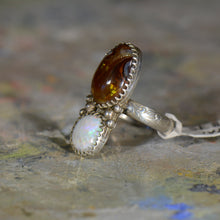 Load image into Gallery viewer, Vintage silver opal and  fire agate ring. Size 8