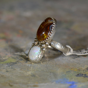 Vintage silver opal and  fire agate ring. Size 8