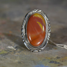Load image into Gallery viewer, Vintage silver ring. Size 9