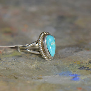 Vintage silver and turquoise ring. Size 4