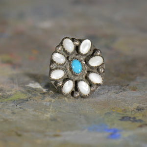Vintage silver and turquoise ring. Size 4.5