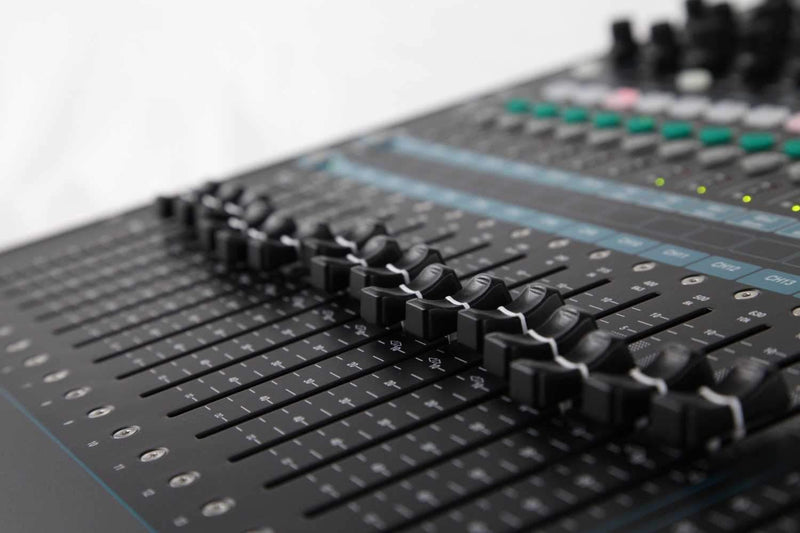 Allen & Heath QU-16 Chrome 16-Ch Digital Mixer - PSSL ProSound and Stage Lighting