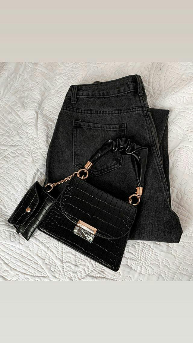 Black slouchy women jeans