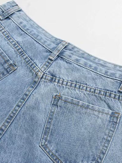 Slouchy Jeans back pocket details