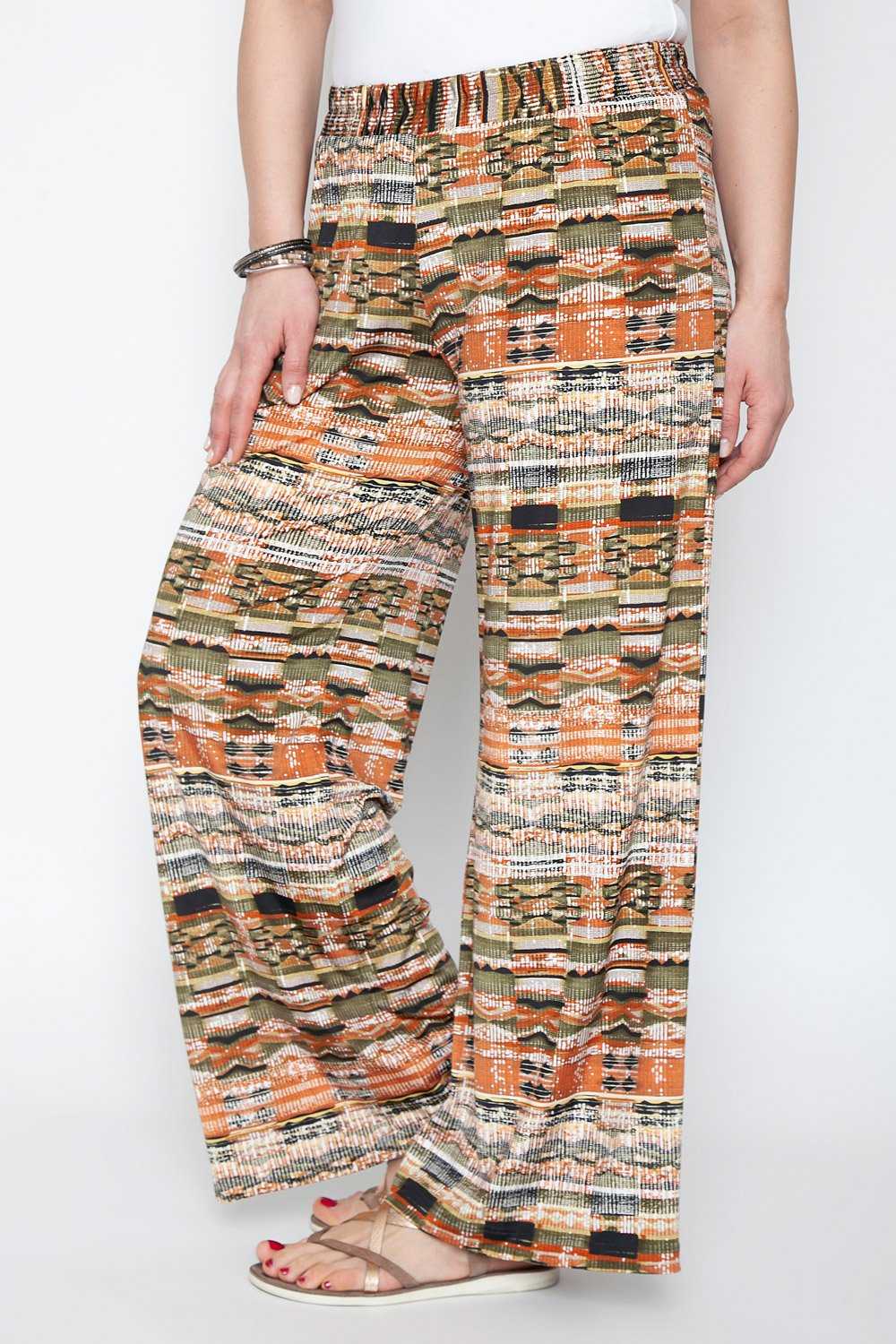 Trousers with earthy colours