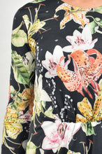 Load image into Gallery viewer, Floral dress with open in the front
