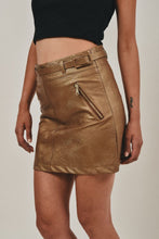 Load image into Gallery viewer, Mini skirt with belt