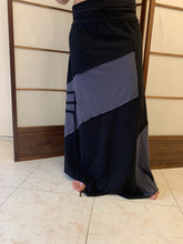 Load image into Gallery viewer, Grey black maxi skirt