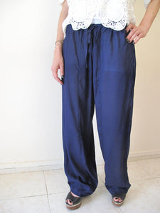 Baggy trousers with elastic waist