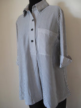 Load image into Gallery viewer, Striped Shirt with pocket