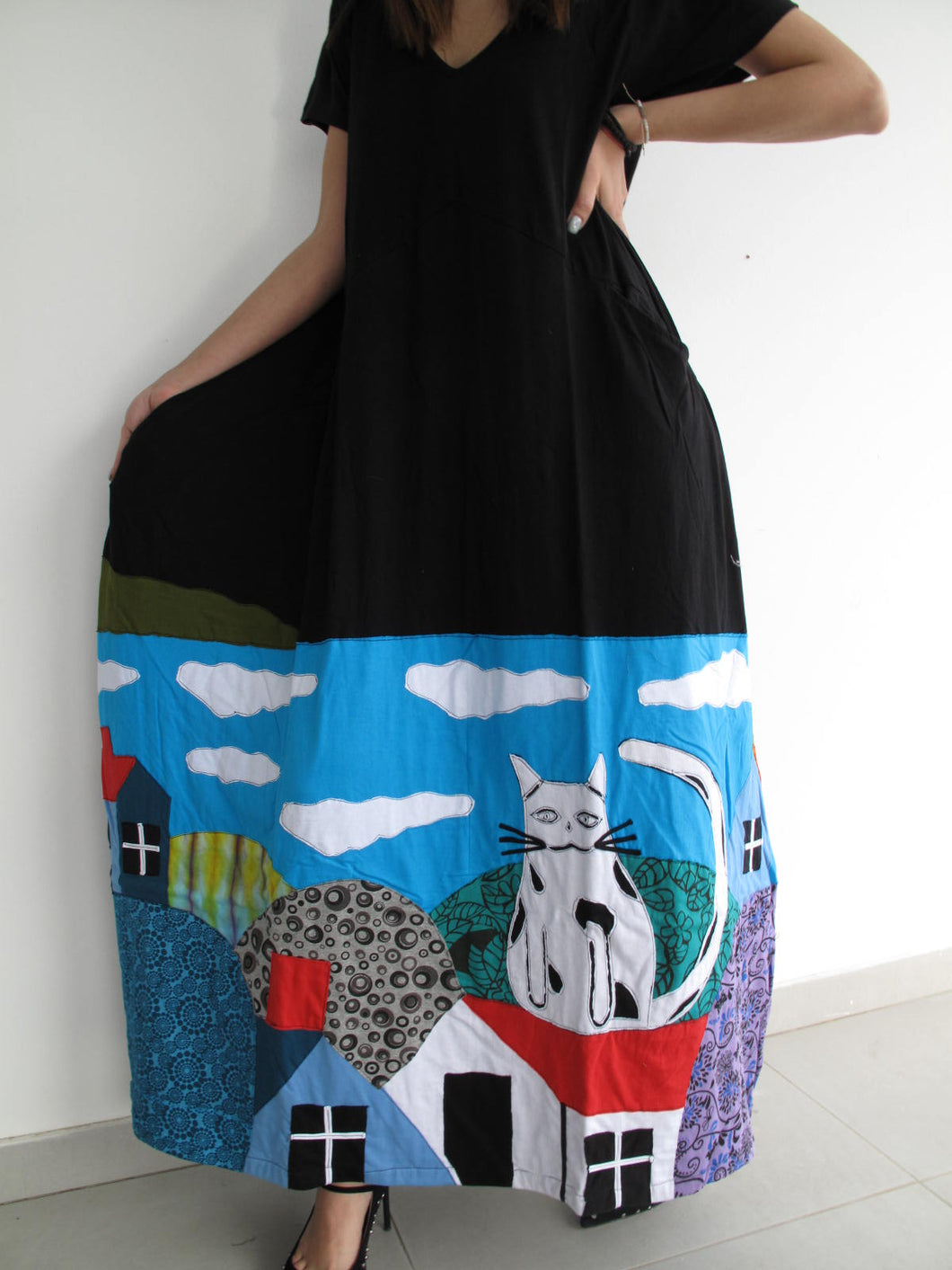 Maxi dress with kittens
