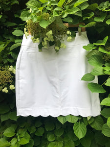 White scalloped hem skirt