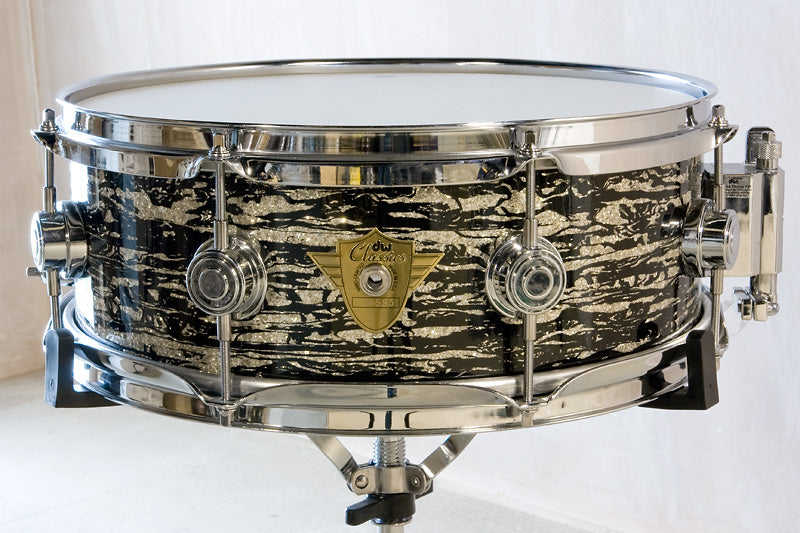 DW Classics Series in Black Oyster Glass Snare Drum