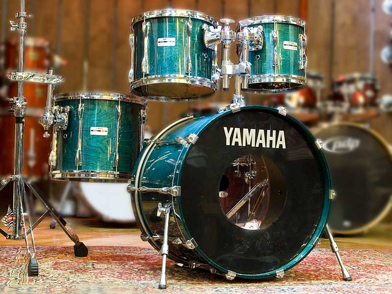 Yamaha 9000 Deep Aqua Recording Custom Drum Kit