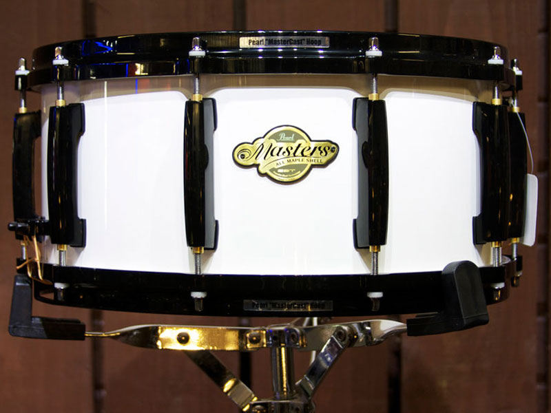 Pearl Masters Piano Black Snare Drum