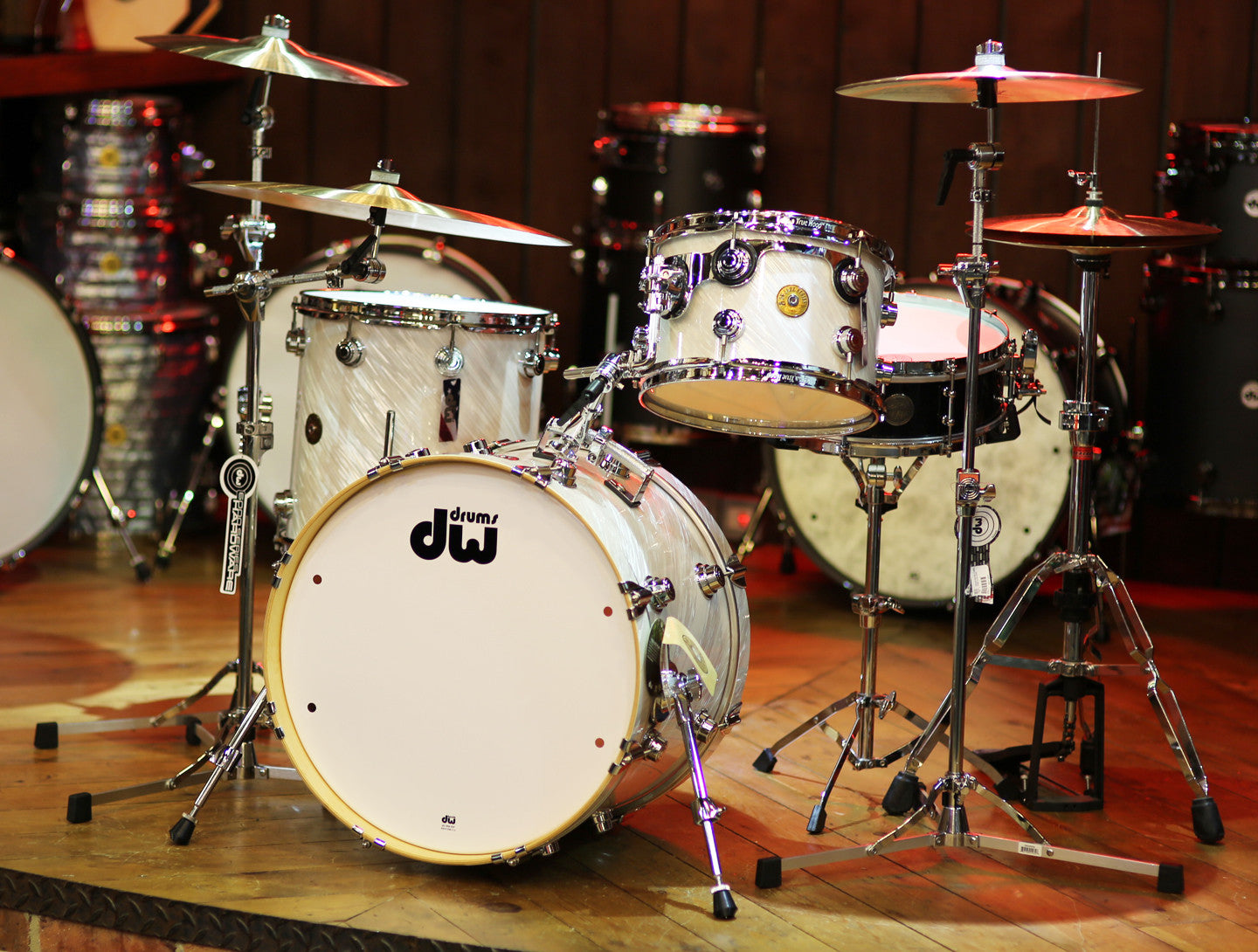 DW Drum Workshop Jazz Drum Kit in Twisted White Satin