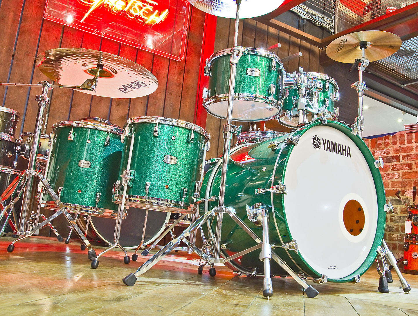 YAMAHA ABSOLUTE MAPLE HYBRID 5-PIECE SHELL PACK IN JADE GREEN SPARKLE