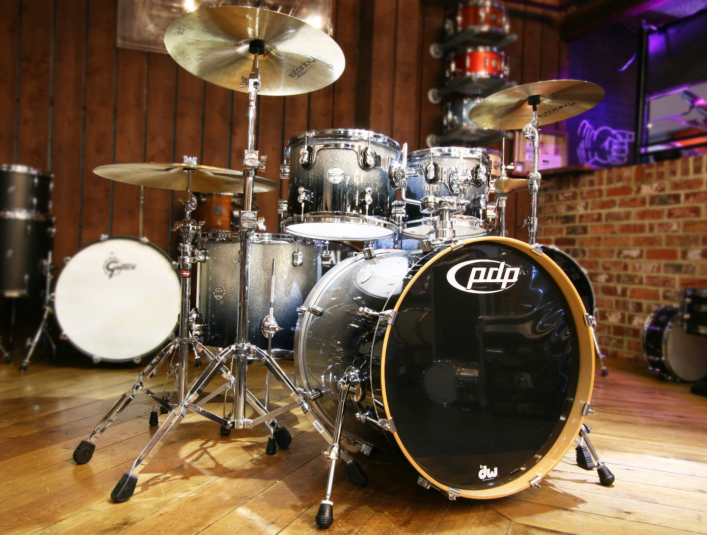 DW PDP Concept Maple 6-Piece Shell Pack in Silver to Black Sparkle Fade