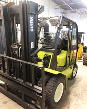 Load image into Gallery viewer, Clark LPG Forklift