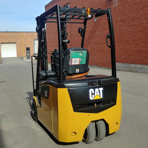 Caterpillar Electric Forklift