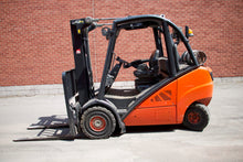 Load image into Gallery viewer, Linde LPG Forklift