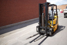 Load image into Gallery viewer, Hyundai LPG Forklift