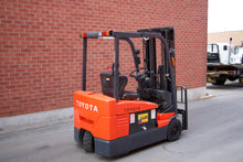 Load image into Gallery viewer, Toyota Electric Forklift 3 Wheeler