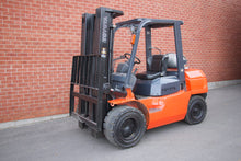 Load image into Gallery viewer, Toyota 7FGU35 with Solid Pneumatic Tires