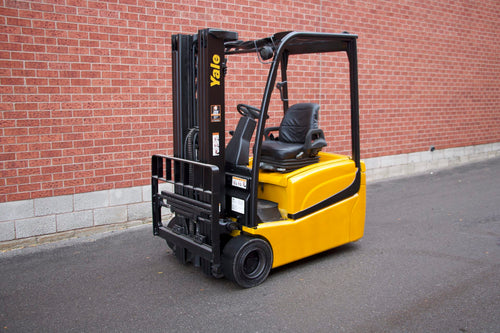 Yale ERP040VT 3 Wheeler Electric Forklift