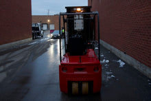 Load image into Gallery viewer, Raymond 440C40 Electric Forklift