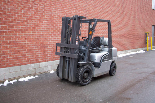 Nissan MP1F2A25LV Outdoor Forklift with 5000 lbs Capacity