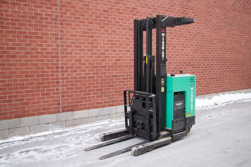 Mitsubishi ESR24 Reach truck with 3000 lbs Capacity