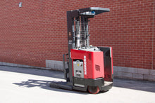 Load image into Gallery viewer, Raymond Reach EASI R40TT with 4000 LBS Capacity