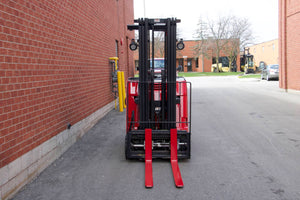 Raymond 425-C40TT Dock-Stocker with 4000 LBS Capacity