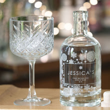 Load image into Gallery viewer, Premium Engraved Botanical Snowflake Gin