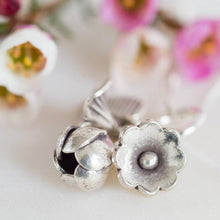 Load image into Gallery viewer, Sterling Silver Flower Bouquet Necklace