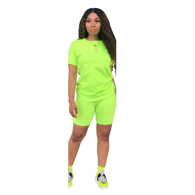 Two-piece Solid Color Women's Clothing. Short-sleeved Crew Neck T-shirt and Tight-fitting Shorts. Simple Style Tracksuit Outfit