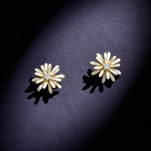 Load image into Gallery viewer, Daisy Earrings Stud Crystal 925 Sterling Silver Sunflower Tridimensional