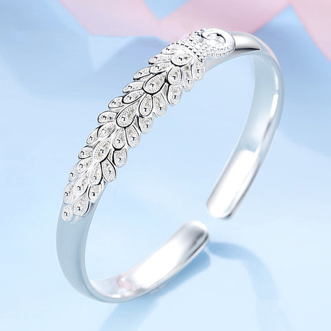 products/Silver_Bangle_Peafowl_Feather_Engraved_Ethhnic_blingever.jpg