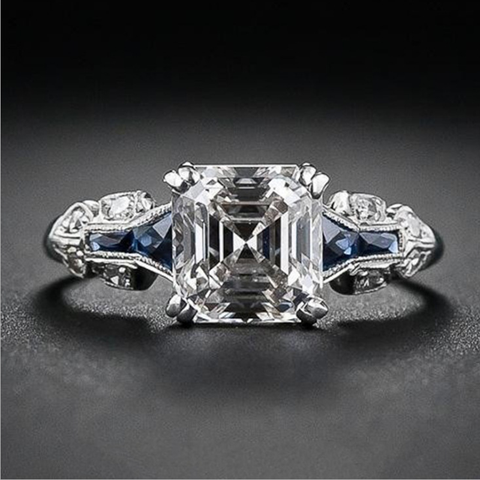products/emerald-cut-engagement-rings-blingever.png