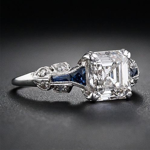 products/emerald-cut-engagement-rings_2.png